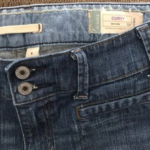 Gap Women's Jeans Curvy Size 6 with flare leg